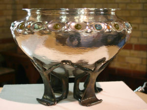 Liberty silver bowl (1899) – purchased for £11,400 by the Friends in 2005 to celebrate their 20th anniversary.